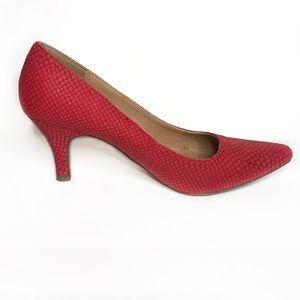 Karen Scott Red heels 👠